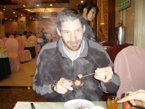 Eating 海胆 (hai dan) Sea Urchin in Dalian China